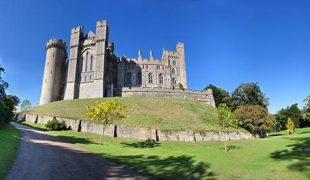 Arundel Castle in A…